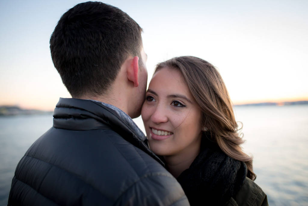 Seattle-waterfront-couple-portrait